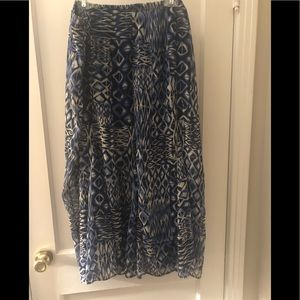 Comfortable fully lined stretchy skirt.